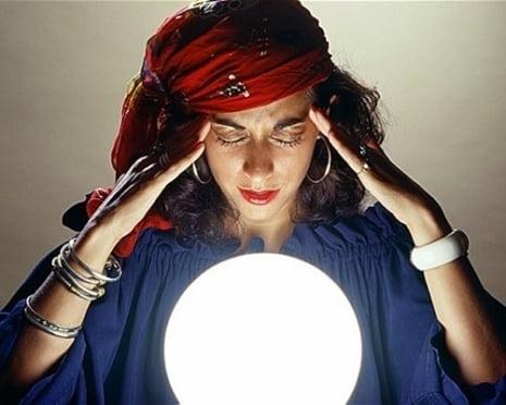 В Саранске экстрасенс гарантировала трудоустройство с помощью магического обряда