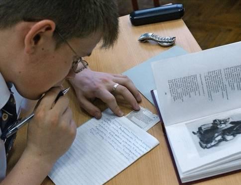 В Саранске 23 выпускника провалились на сочинении при допуске к ЕГЭ
