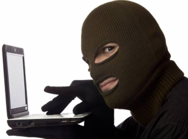 Интернет-мошенники дважды за сутки «развели» саранского студента