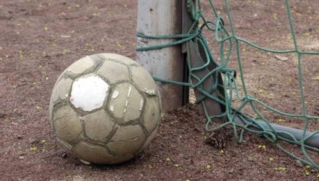 Маленькую девочку в Саранске едва не убило футбольными воротами