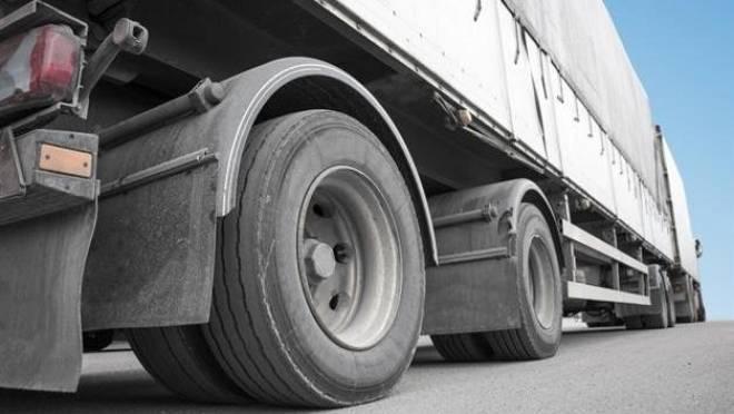 На трёх трассах в Мордовии могут ограничить движение тяжеловесного транспорта