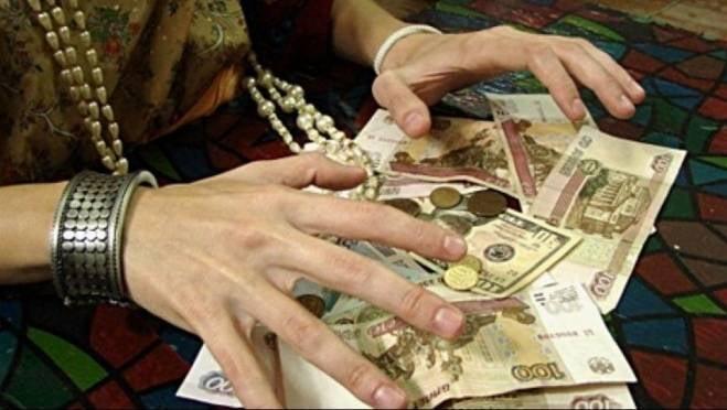 Беременную мать двоих детей в Мордовии осудили за кражу золота и денег