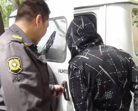 В Саранске задержали наркомана, который кричал и бросался на прохожих