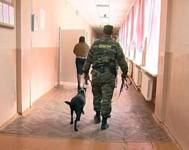 В одной из школ Саранска сейчас ищут бомбу