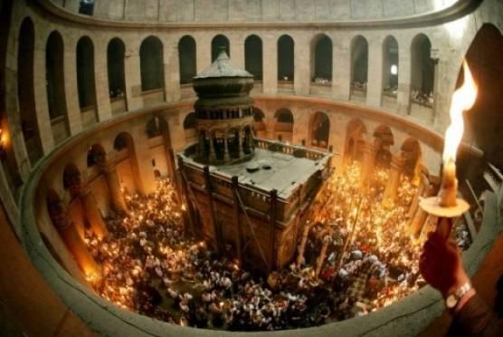 В Саранск из Иерусалима привезли Благодатный Огонь