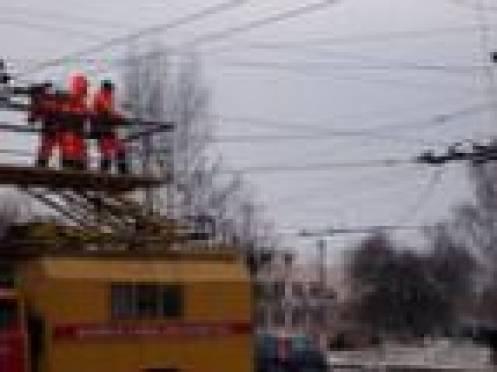 В Саранске сеть троллейбусных проводов не выдержала испытания холодом