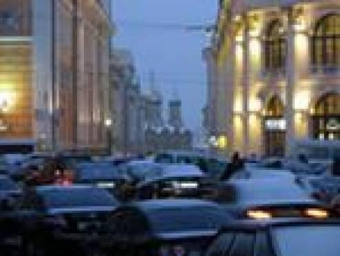 Осадки вызвали настоящий транспортный коллапс в Саранске