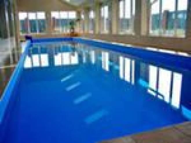 Студенты университета Мордовии строят для себя бассейн