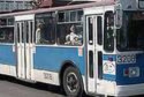 В Саранске пожилая женщина из-за резкого торможения автобуса получила увечья