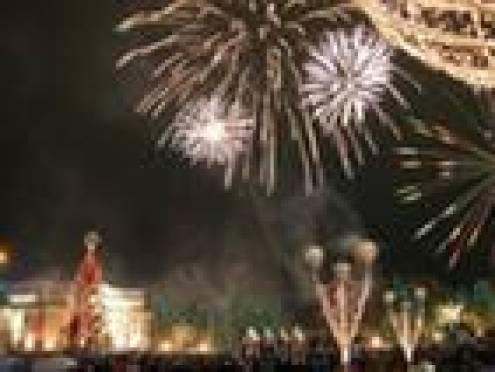 В новогодней программе Саранска – гонки Дедов Морозов, концерт «Росичей» и выступление  Добрынина