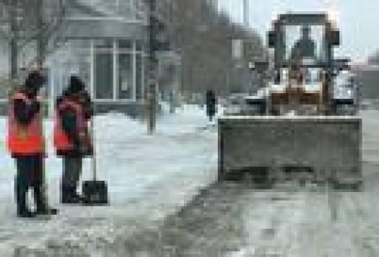 Неправильная парковка автомобилей мешает уборке улиц Саранска