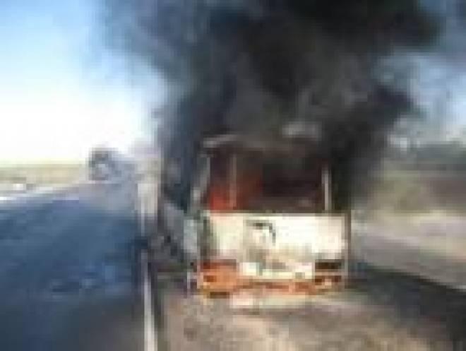 Загоревшийся автобус едва не стал причиной пожара в лесополосе Чамзинского района Мордовии