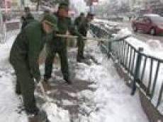 Мини-рынки Саранска завалены мусором  и снегом
