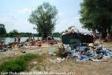 Городские пляжи Саранска беспощадно загрязняют сами отдыхающие