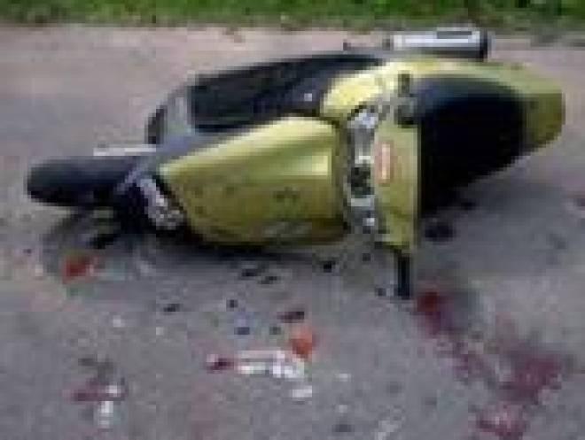 В Мордовии при столкновении скутера с грузовиком погиб 13-летний подросток