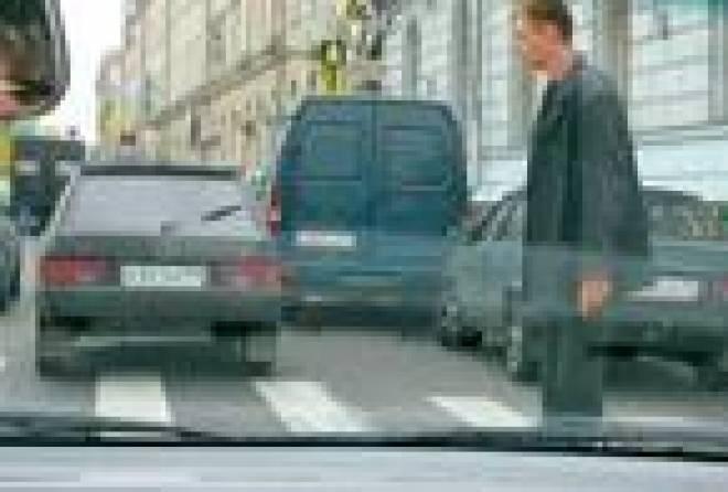 Отношения между водителями и пешеходами в Саранске остаются напряженными