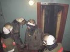Пожар в лифте вынудил спасателей Саранска прибегнуть к крайним мерам